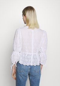 IVY & OAK - BROIDERY ANGLAISE  - Bluse - bright white - 2