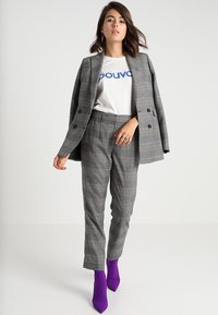 IVY & OAK - DOUBLE BREASTED CHECKED - Blazer - grey check - 1