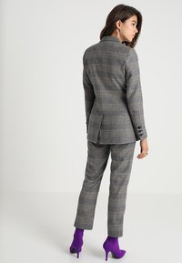 IVY & OAK - DOUBLE BREASTED CHECKED - Blazer - grey check - 2