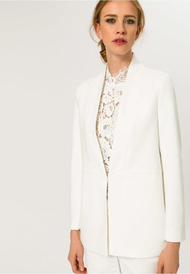 SHAWL COLLAR - Krótki płaszcz - white