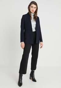 IVY & OAK - SHAWL COLLAR - Cappotto corto - navy blue - 1