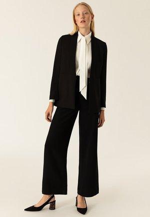 SHAWL COLLAR - Halflange jas - black