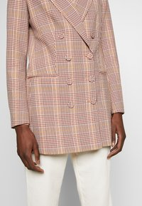 IVY & OAK - CHECK DOUBLEBREASTED - Short coat - blush - 4