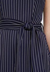 IVY & OAK - PINSTRIPES - Tuta jumpsuit - true blue - 6