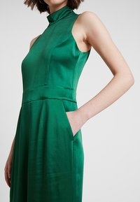 IVY & OAK - STANDUP COLLAR - Jumpsuit - eden green - 5