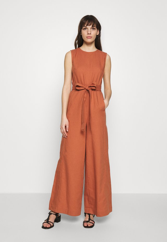 SUPER FLARED CROPPED - Jumpsuit - rose tan