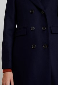 IVY & OAK - CLASSIC DOUBLE BREASTED COAT - Mantel - navy blue - 5