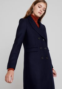 IVY & OAK - CLASSIC DOUBLE BREASTED COAT - Mantel - navy blue - 3