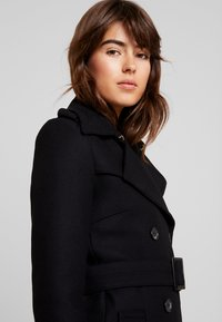 IVY & OAK - Gabardina - black - 3