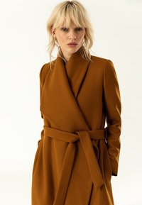 IVY & OAK - BATHROBE  - Classic coat - caramel - 4