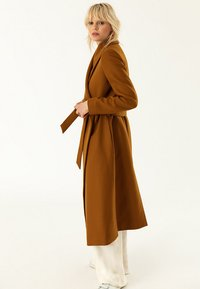 IVY & OAK - BATHROBE  - Classic coat - caramel - 3