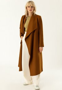 IVY & OAK - BATHROBE  - Classic coat - caramel - 1