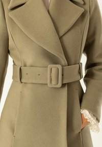 IVY & OAK - STATEMENT  - Abrigo - olive - 4