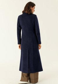 IVY & OAK - MAXI COAT - Classic coat - navy blue