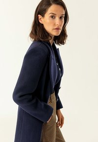 IVY & OAK - MAXI COAT - Classic coat - navy blue - 4