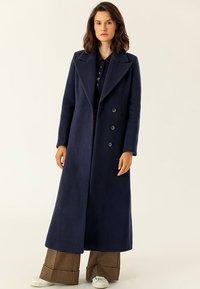 IVY & OAK - MAXI COAT - Płaszcz wełniany /Płaszcz klasyczny - navy blue - 0