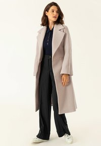 IVY & OAK - BIG BELT COAT - Classic coat - birch - 1