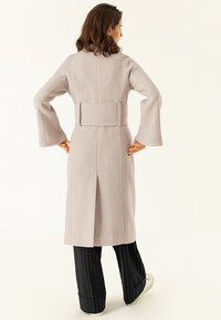 IVY & OAK - BIG BELT COAT - Classic coat - birch - 2
