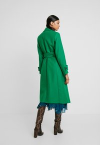 IVY & OAK - COSY  - Trenchcoat - secret garden green - 2