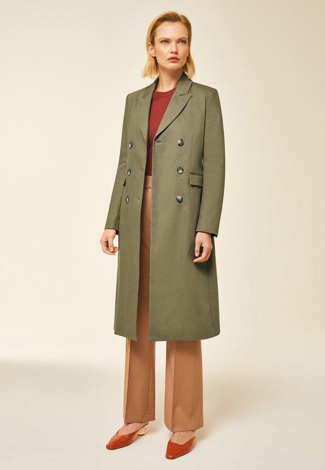 Płaszcz wełniany /Płaszcz klasyczny - sage green