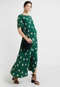 IVY & OAK - MATERNITY BOW SLEEVE DRESS - Maxi dress - eden green - 1