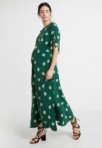 IVY & OAK - MATERNITY BOW SLEEVE DRESS - Maxi dress - eden green - 0