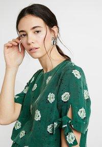 IVY & OAK - MATERNITY BOW SLEEVE DRESS - Maxi dress - eden green - 3