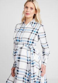 IVY & OAK Maternity - MATERNITY DRESS - Shirt dress - snow white - 4