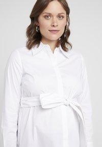 IVY & OAK Maternity - MATERNITY FLARED - Skjorta - bright white - 3