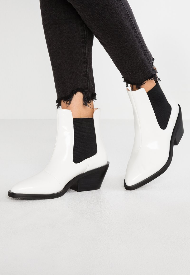 Ivyrevel - CAYSI - Ankle boots - white