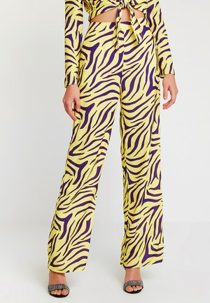 HIGH WAIST WIDE PANTS - Bukser - purple/yellow