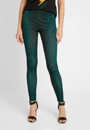 SLIM FIT PANTS - Pantalones - green snake