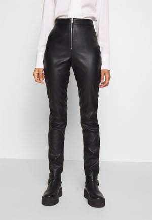 FAUX LEATHER TROUSERS - Skindbukser - black