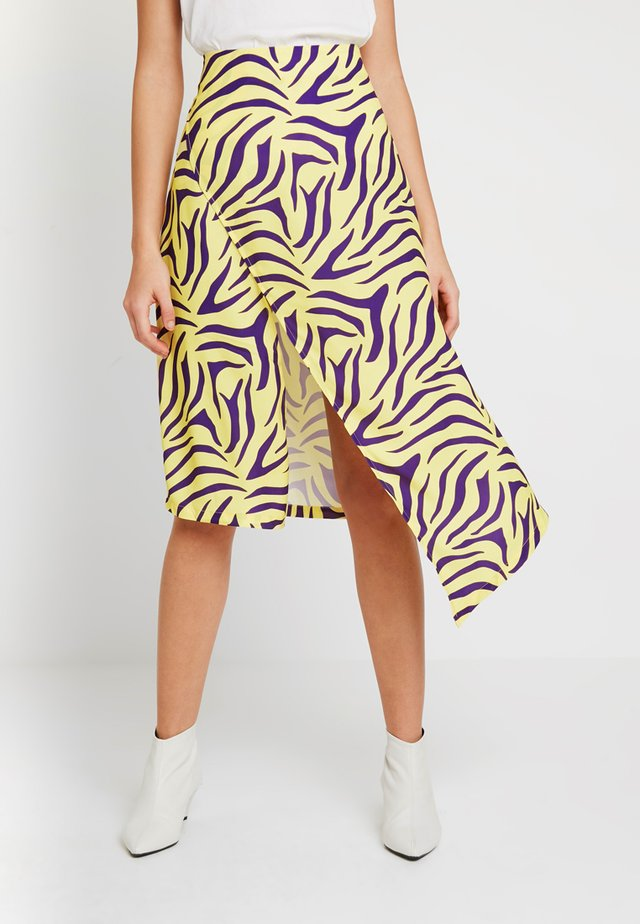 HIGH SLIT SKIRT - Zavinovací sukně - purple/yellow