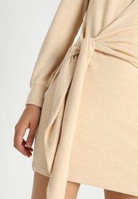 Ivyrevel - ELISA DRESS - Sukienka etui - camel - 4
