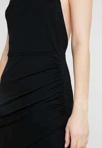 Ivyrevel - CROSS BACK MINI DRESS - Pouzdrové šaty - black - 4