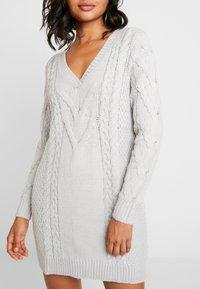 Ivyrevel - CABLE DRESS - Gebreide jurk - light grey melage - 6