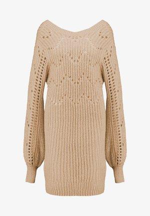 DRESS - Stickad klänning - beige