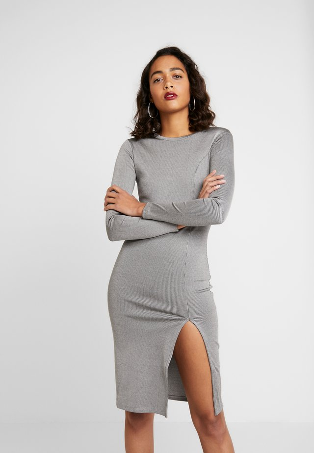 SLIT DRESS - Pletené šaty - light grey melage