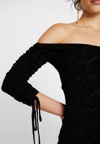 Ivyrevel - OFF SHOULDER SCRUNCH DRESS - Fodralklänning - black - 5