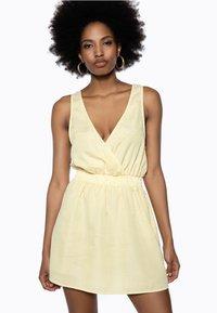 Ivyrevel - Day dress - yellow - 0