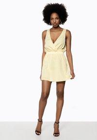 Ivyrevel - Day dress - yellow - 1