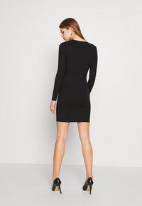 Ivyrevel - SLIM FIT MINI DRESS - Pouzdrové šaty - black - 2