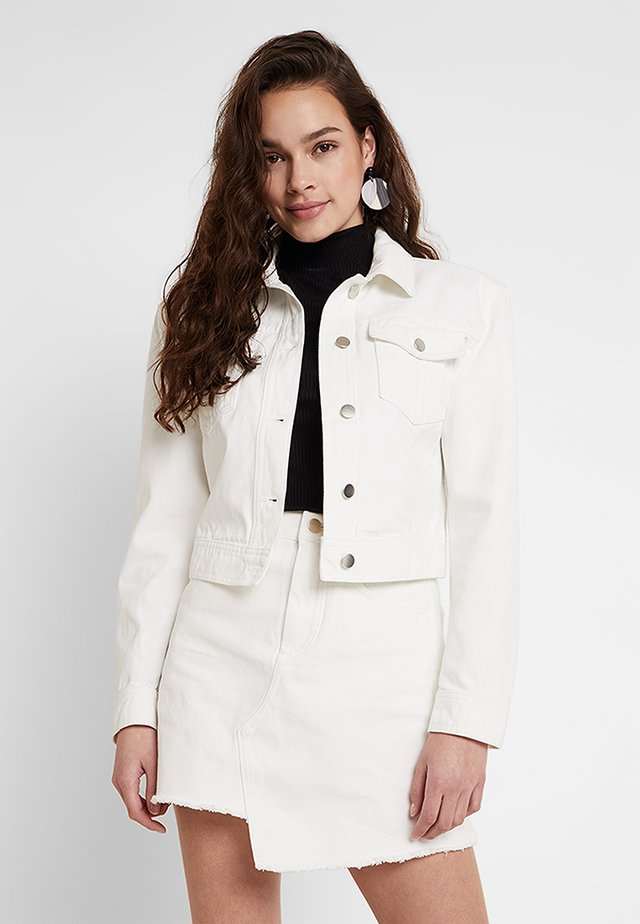 SHARP SHOULDER JACKET - Jeansjakke - white