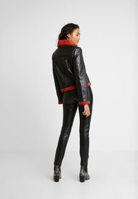 Ivyrevel - JACKET - Giacca in similpelle - black/burnt red - 2