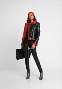 Ivyrevel - JACKET - Giacca in similpelle - black/burnt red - 1