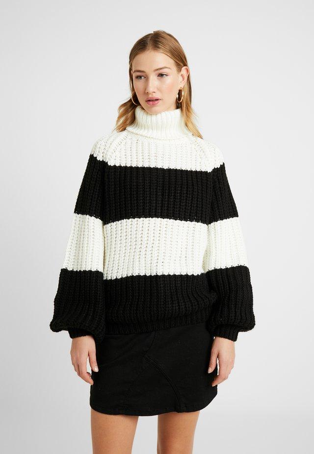 OVERSIZED - Stickad tröja - black/white