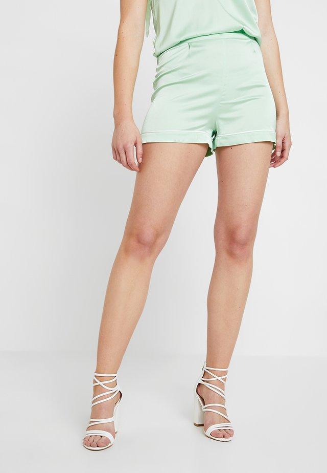 CONTRAST HEM - Shorts - pastel green