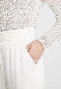 IVY & OAK BRIDAL - MARLENE BRIDAL PANTS - Bukser - snow white - 4