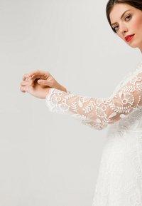 IVY & OAK BRIDAL - EMBROIDERED BRIDAL DRESS - Suknia balowa - snow white - 6